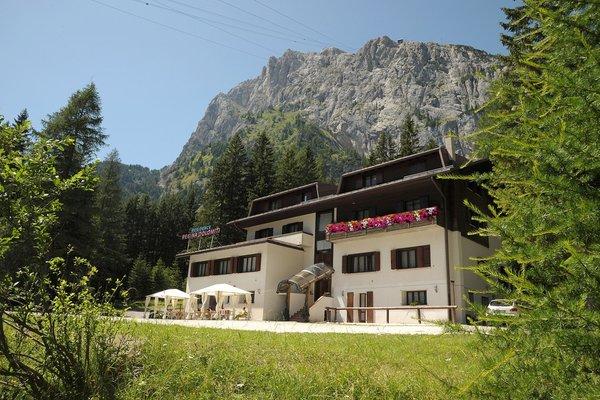 Foto estiva di presentazione Residence Regina delle Dolomiti