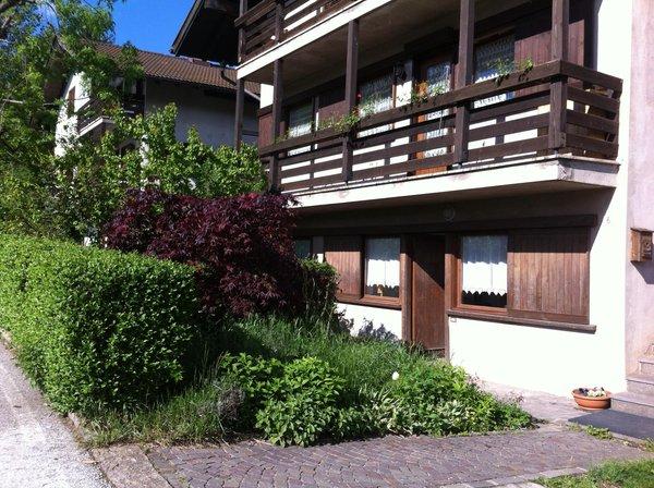 Foto esterno in estate Casa Almida
