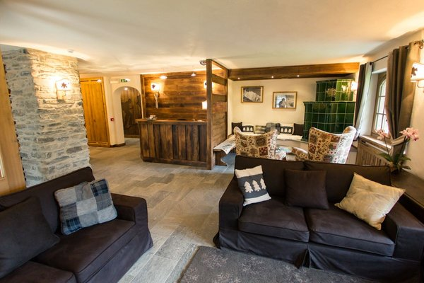 The common areas B&B-Hotel Les Montagnards