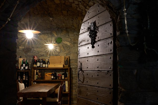 Weinkeller Antey-Saint-André (Monte Cervino) Maison Tissiere Hôtel Et Cuisine
