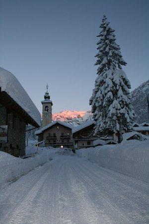Photo exteriors in winter Monterosa
