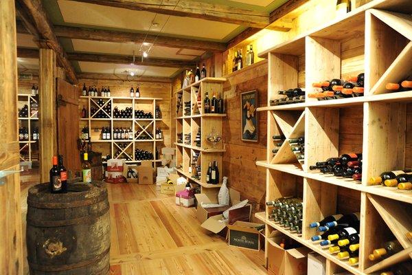 La cantina dei vini Brusson (Monte Rosa) Laghetto