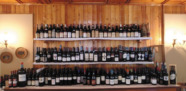 La cantina dei vini Champoluc/Ayas/Antagnod (Monte Rosa) Castor