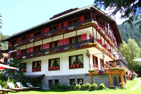 Foto estiva di presentazione Hotel Castor