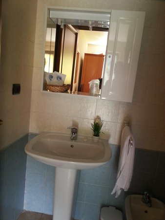 Affittacamere ristoro saint roch h ne valle d 39 aosta - Webcam bagno paradiso ...