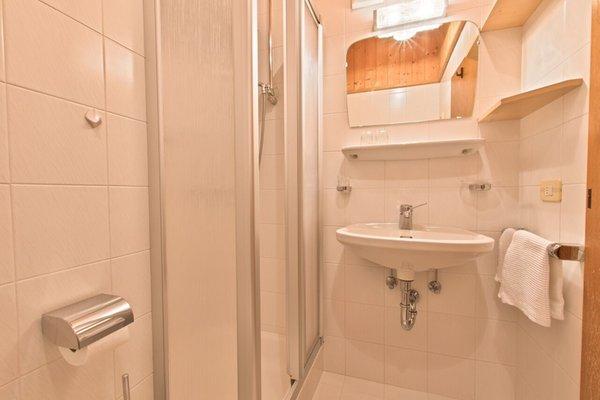 Foto del bagno Appartamenti in agriturismo Suracianins