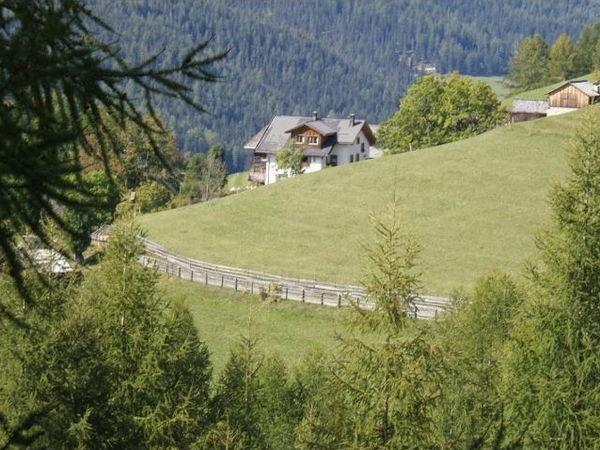 La posizione Appartamenti in agriturismo Suracianins San Cassiano