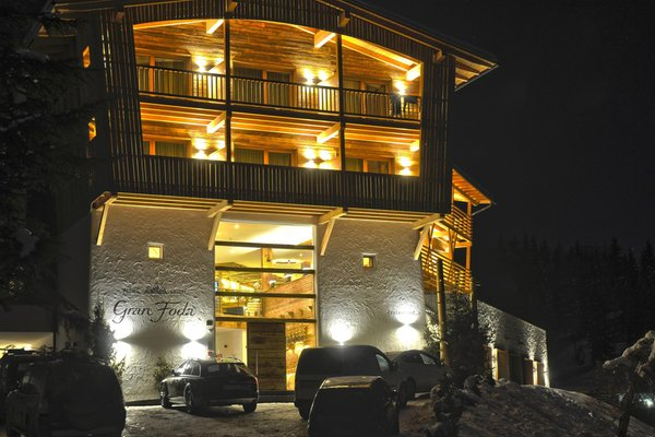Foto esterno in inverno Alpine Hotel Gran Fodá