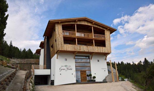 Foto esterno in estate Alpine Hotel Gran Fodá