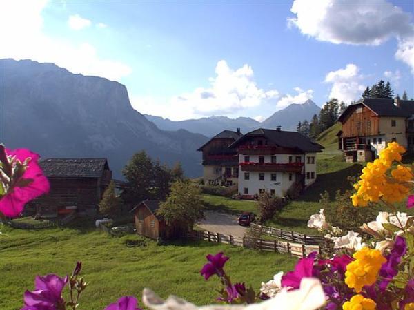 Lage B&B + Ferienwohnungen auf dem Bauernhof Maso Arslada Badia - San Leonardo