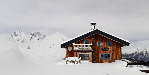 Foto invernale di presentazione Baita Lo Ratrak