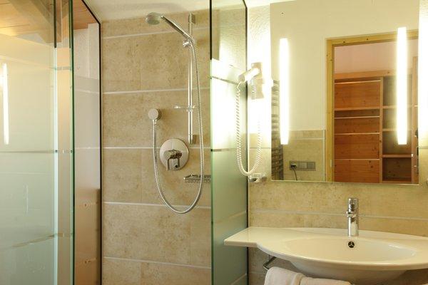 Photo of the bathroom Mountain Hut-Hotel Pralongià
