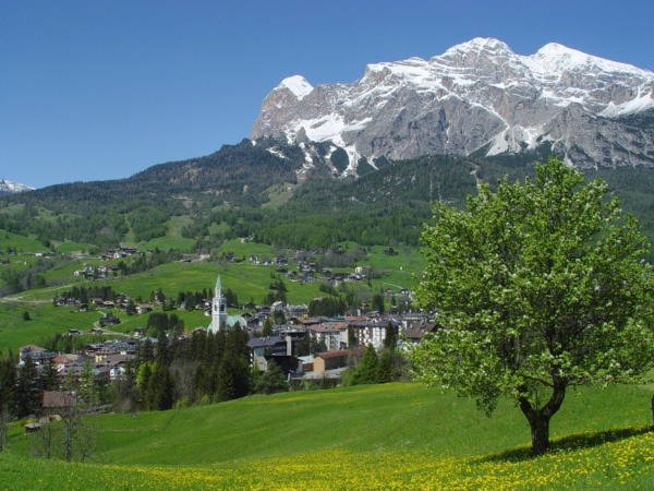 Sommer Präsentationsbild Info Point Cortina d'Ampezzo