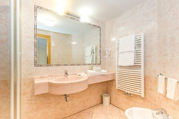 Foto del bagno Hotel Alpenrose - Rosalpina