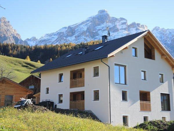 Foto estiva di presentazione Appartamenti in agriturismo Lüch de Tlara
