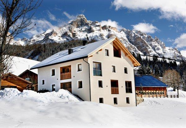 Foto invernale di presentazione Appartamenti in agriturismo Lüch de Tlara