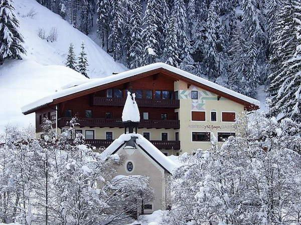 Foto esterno in inverno Al Bagn