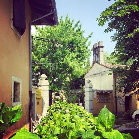 Foto esterno in estate Villa Orsolina