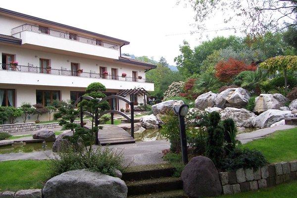Foto estiva di presentazione Hotel Al Giardino