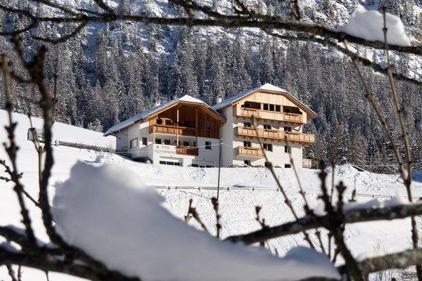 Foto esterno in inverno Appartamenti Miribunghof
