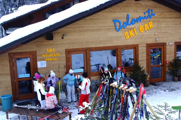 Presentation Photo Ski rental Dolomiti Ski Bar