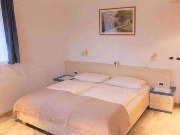 Foto vom Zimmer Ferienwohnungen auf dem Bauernhof Ciasa Pescol