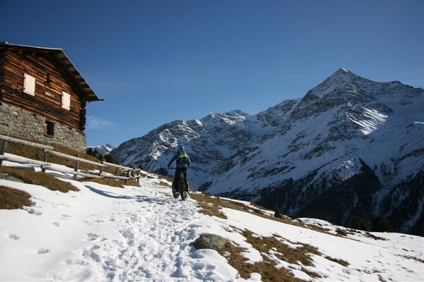 Winter Präsentationsbild Danilo Martinelli - Mountainbike-Lehrer