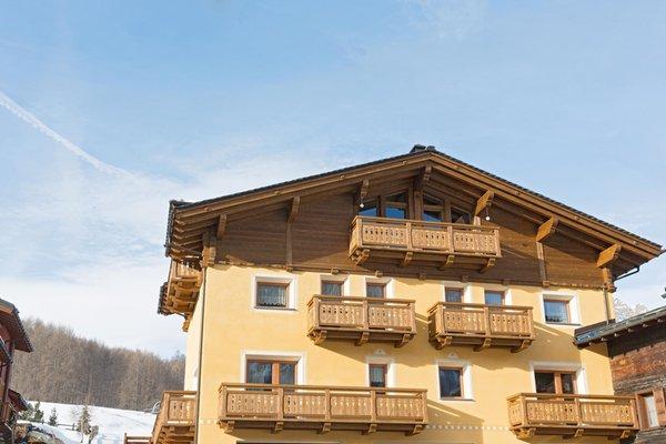 Foto invernale di presentazione Casa Pedretti - Appartamenti 3 stelle