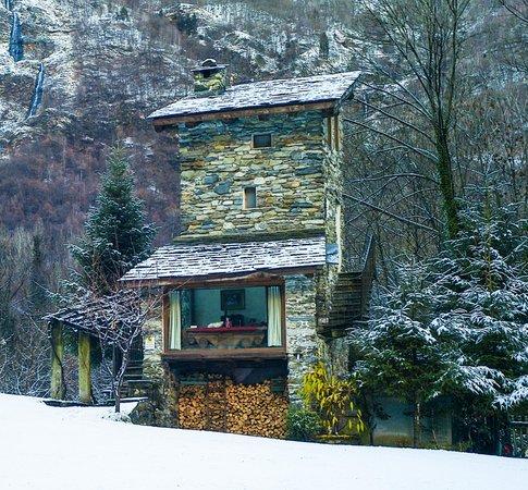 Foto invernale di presentazione Torre Scilano - Appartamenti in agriturismo