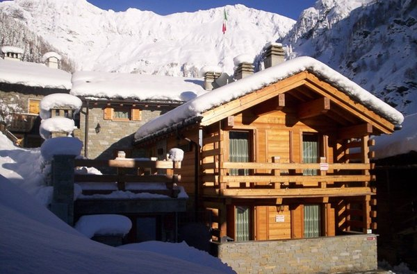 Foto invernale di presentazione Chalet Volpi - Appartamenti