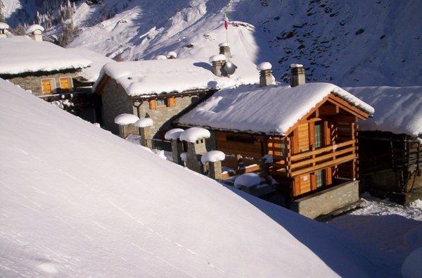 Foto esterno in inverno Chalet Volpi