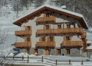 Foto invernale di presentazione Residence Fior di Roccia