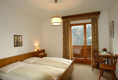 Foto vom Zimmer Ferienwohnungen Ciasa Saina