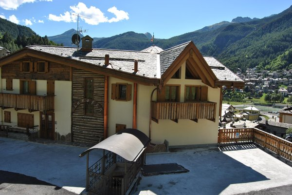 Foto esterno in estate Casa Vacanza La Rocca