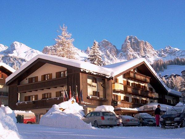 Foto invernale di presentazione Park Hotel Arnica - Hotel 4 stelle