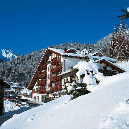 Foto invernale di presentazione Belvedere - Hotel 3 stelle