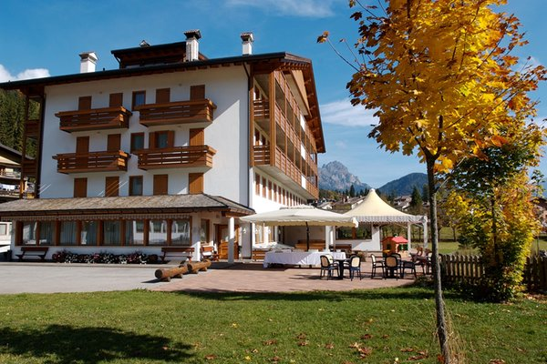 Photo exteriors in summer Sport Hotel Cristal