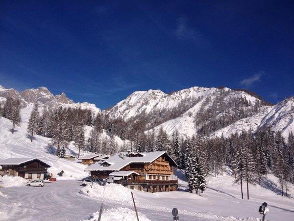 Foto invernale di presentazione Flora Alpina - Rifugio con camere