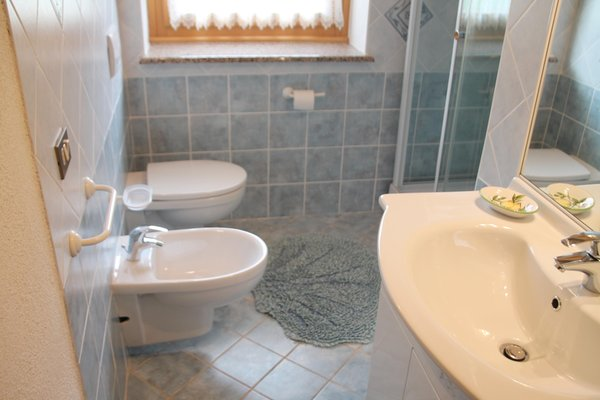 Photo of the bathroom Apartments Borgate tra le Malghe