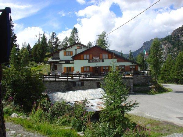Sommer Präsentationsbild Berghütte mit Zimmern Poschiavino