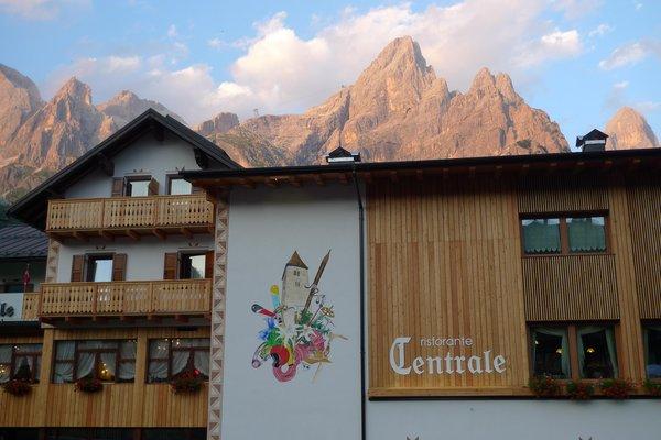 Foto esterno in estate Centrale