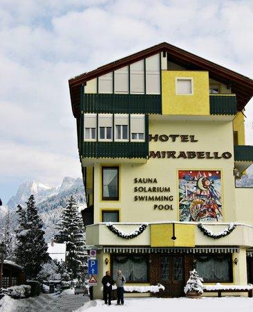 Foto invernale di presentazione Mirabello - Hotel 4 stelle