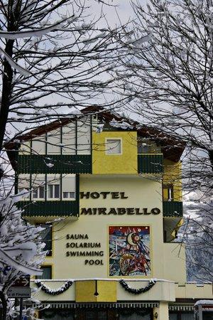 Foto esterno in inverno Mirabello