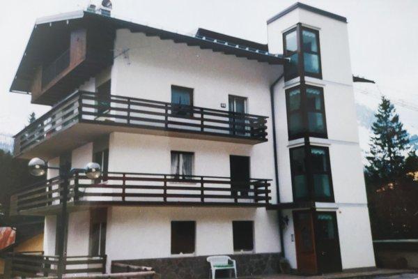 Foto estiva di presentazione Appartamenti Zecchini