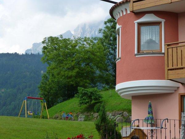 Foto esterno in estate Casa Bancher