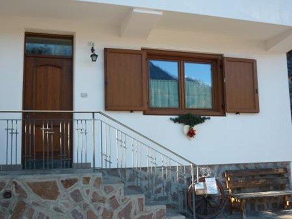 Foto esterno in estate Casa Elena