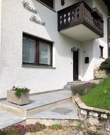 Foto esterno in estate Casa Faoro
