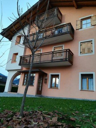 Foto esterno in estate Simon Giacomo