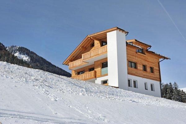 Foto esterno in inverno Cesa Leni
