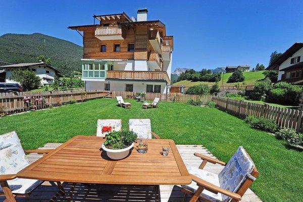Foto estiva di presentazione Appartamenti Cesa Leni
